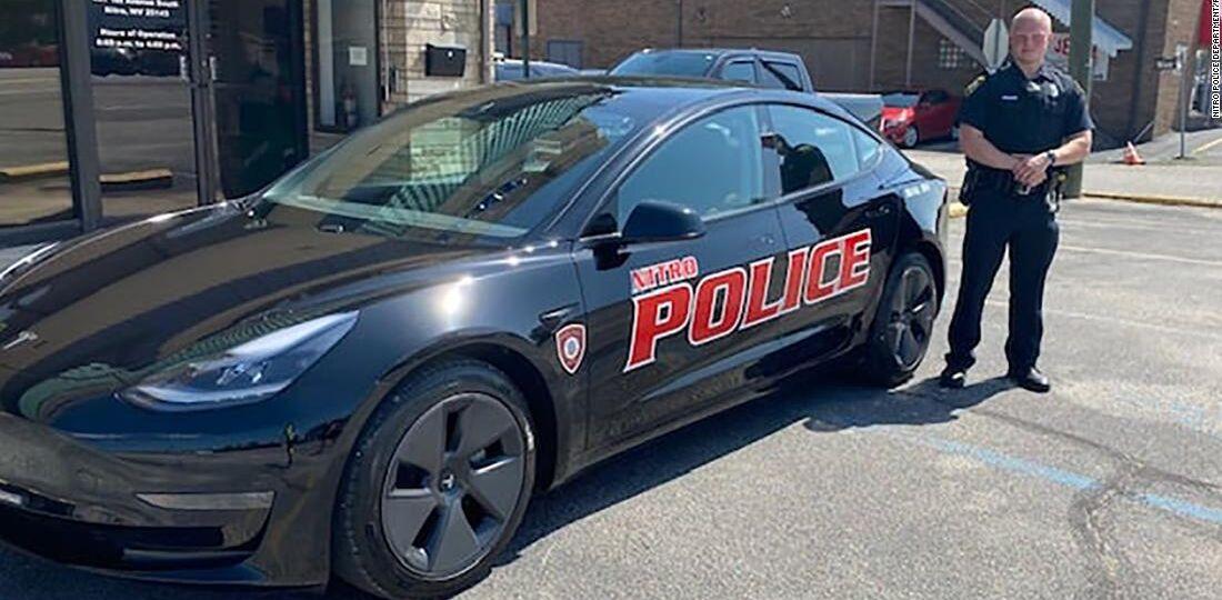 210911115631-02-tesla-police-car-trnd-super-169.jpg